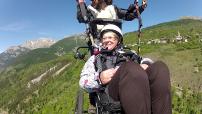 vol en parapente avec fauteuil spécial handi ou personnes agées.